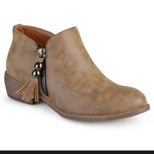 Journee collection women's ankle boots